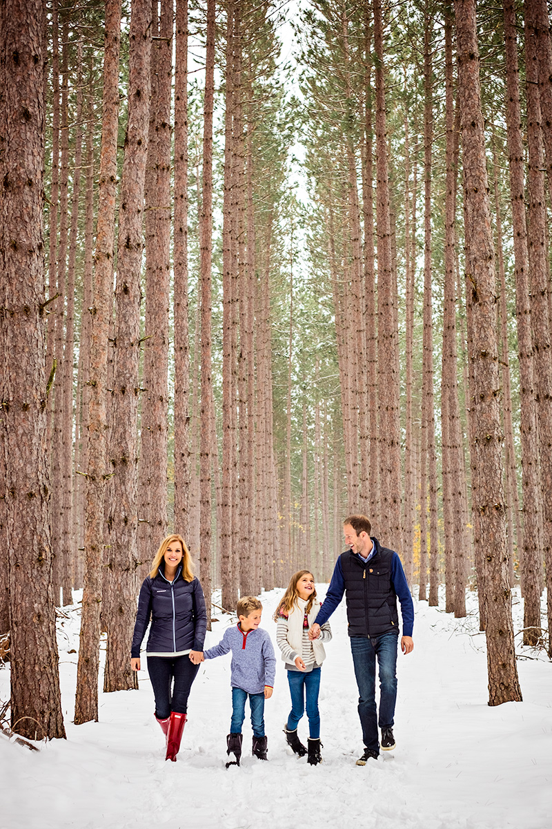 Winter family photoshoot for a Christmas card in Harbor Springs Michigan